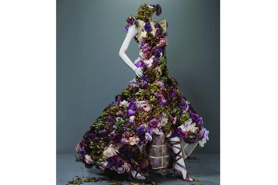 Alexander McQueen abito in fiori di seta e fiori veri