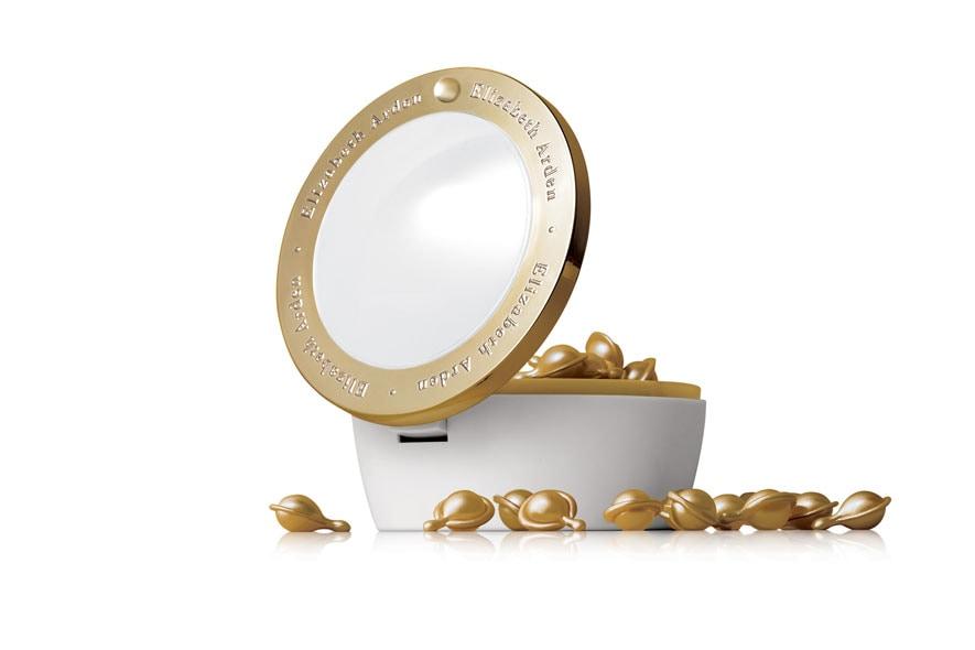 Ceramide Gold Ultra Restorative Capsules di Elizabeth Arden