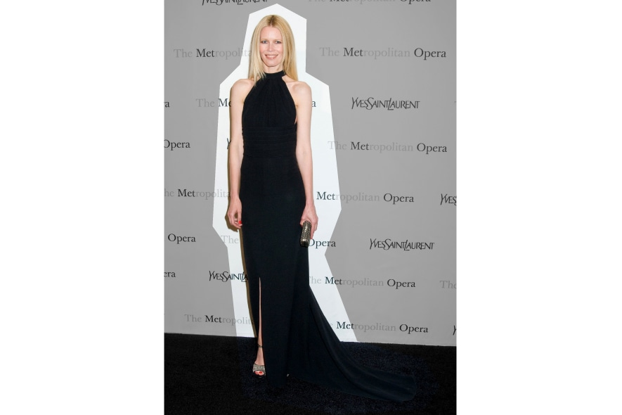 Claudia Schiffer in longdress nero YSL