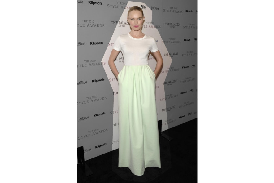 Kate Bosworth in t-shirt bianca e gonna lunga di Jil Sander