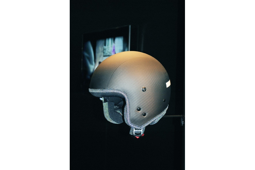 I I helmet Photo by Delphine Hervieu