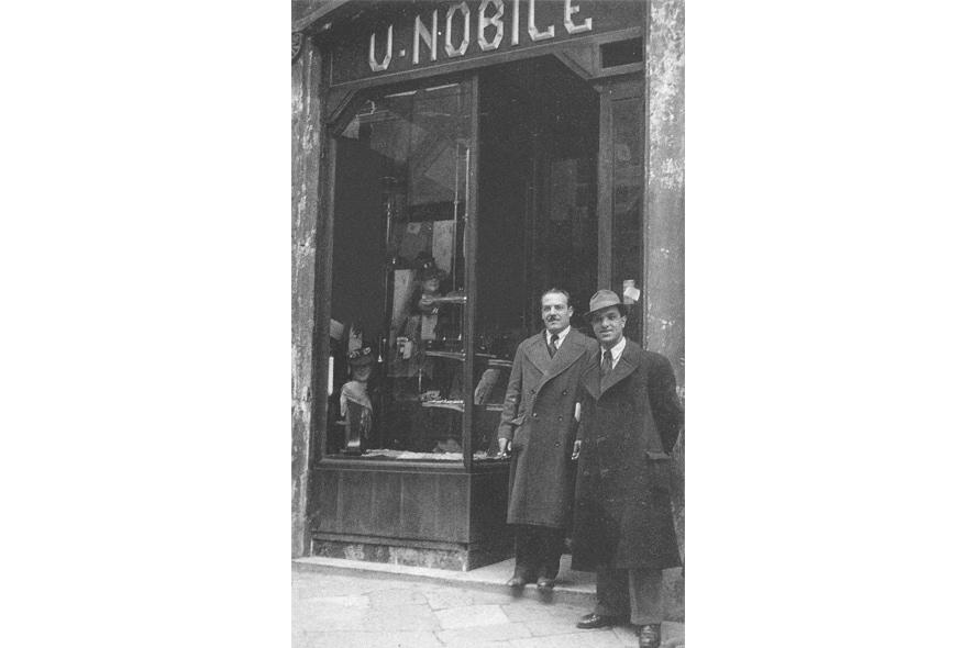 Nobile 1942 negozio epoca