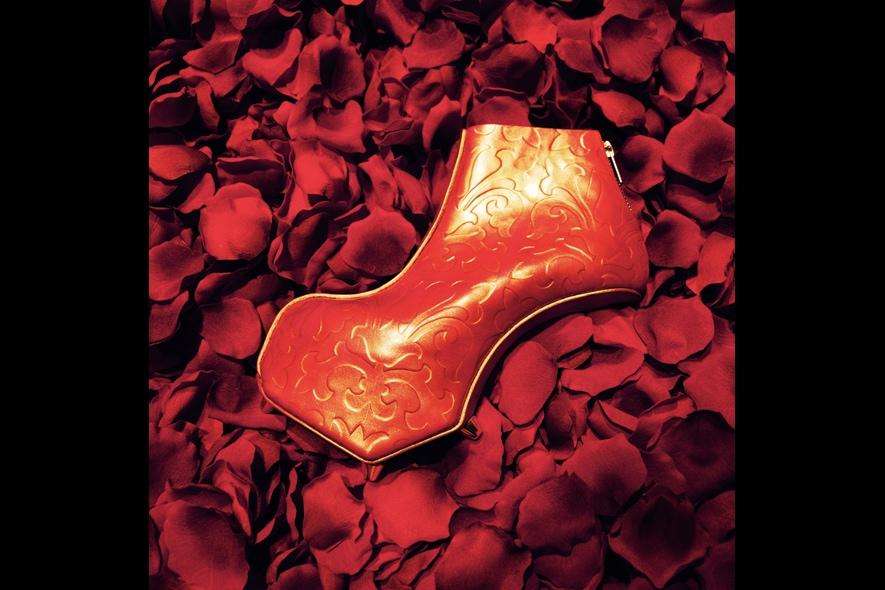 La storia della scarpa senza tacco di Noritaka Tatehana