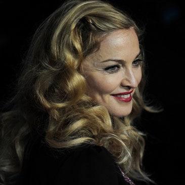 """Madonna lancia la nuova collezione """"Truth or dare"""""""
