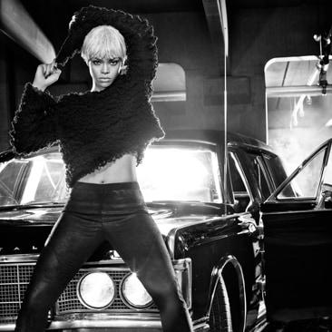 Rihanna stilista per Armani Jeans