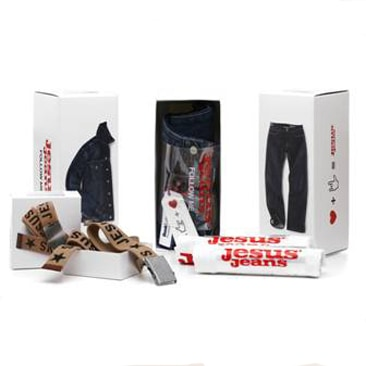 Packaging esclusivo per i Jesus Jeans