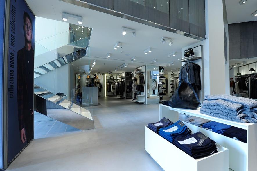 Sisley store Milan S. Babila 07