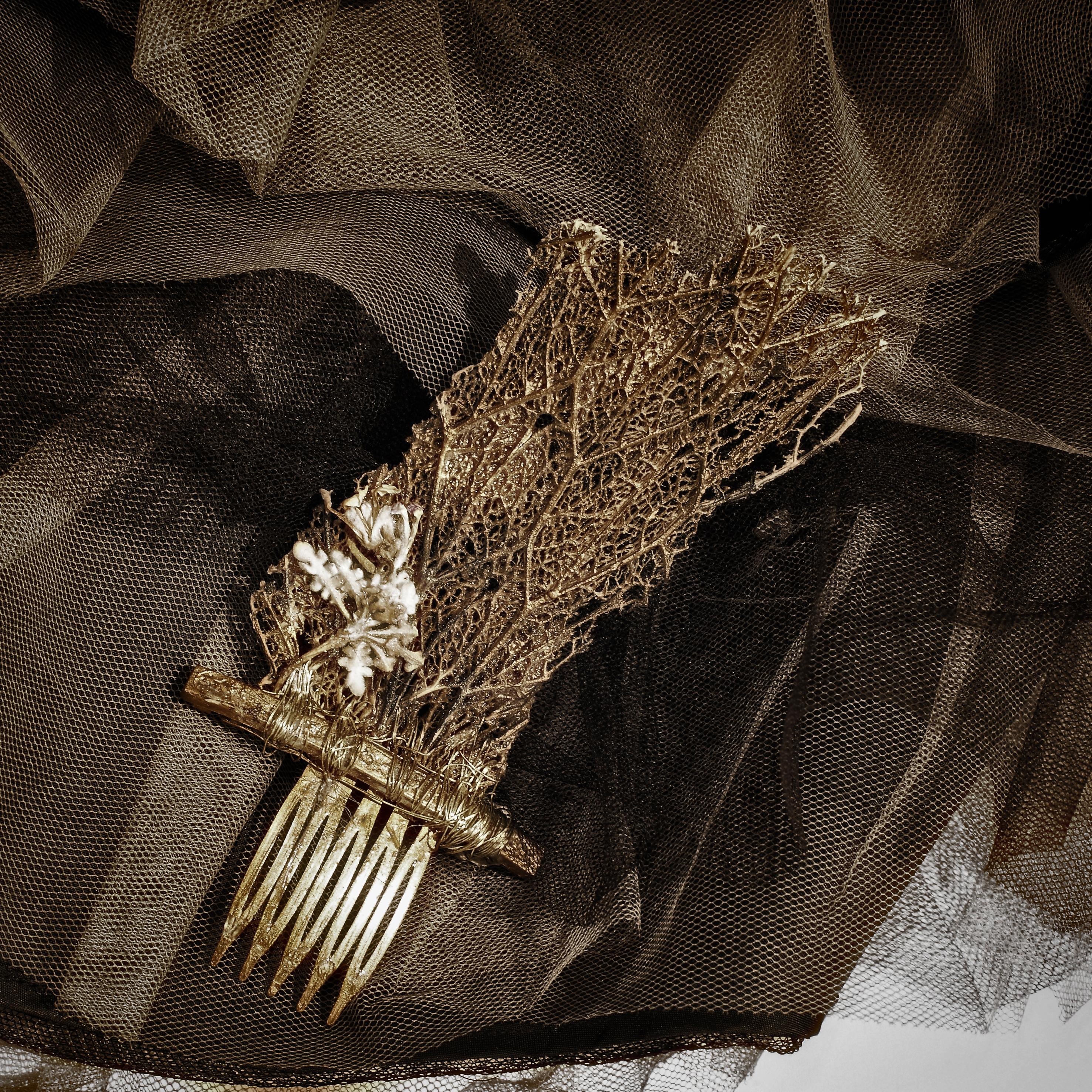pettinino   con trama di cactus e  lillà essiccato