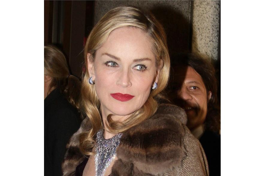 Sempre più bella ed elegante Sharon Stone