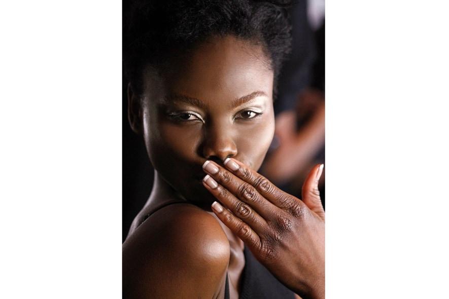 Una french manicure totalmente naturale è la proposta di Basso & Brooke