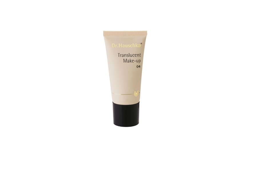 Il Translucent Make-up di Dr.Hauschka regala una pelle più luminosa