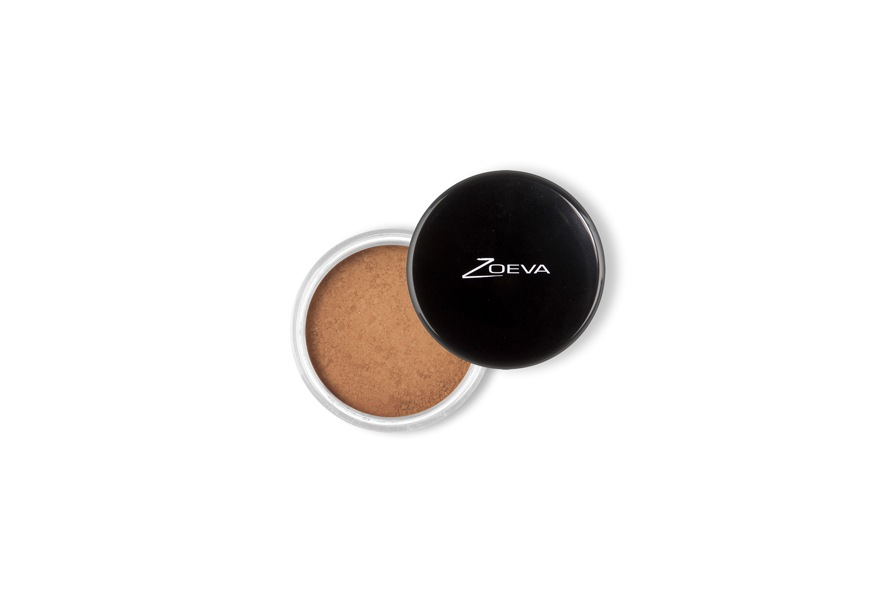Il bronzer minerale di Zoeva regala un aspetto di fresco bagliore grazie alle microparticelle che si uniformano perfettamente alla pelle del viso