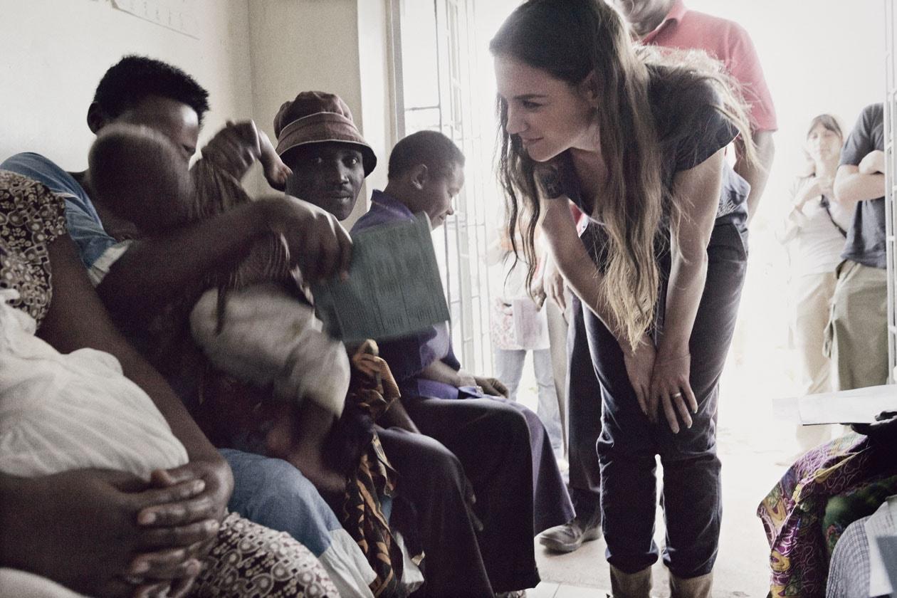 """Katie Holmes: """"Il mio obiettivo non è solo di donare fondi, ma dare alle popolazioni i mezzi necessari a diventare autosufficienti"""""""