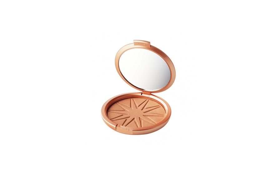 """La versione """"maxi"""" del Medium Bronze, uno dei prodotti di punta di Cargo: il Big Bronzer assicura un look naturale o più intenso, a seconda dei gusti"""