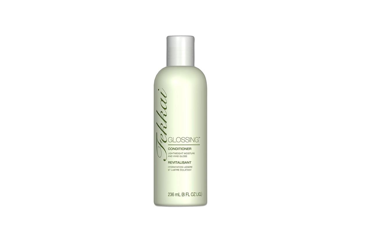 Restituisce ai capelli idratazione, forza e lucentezza il balsamo Glossy by Fekkai