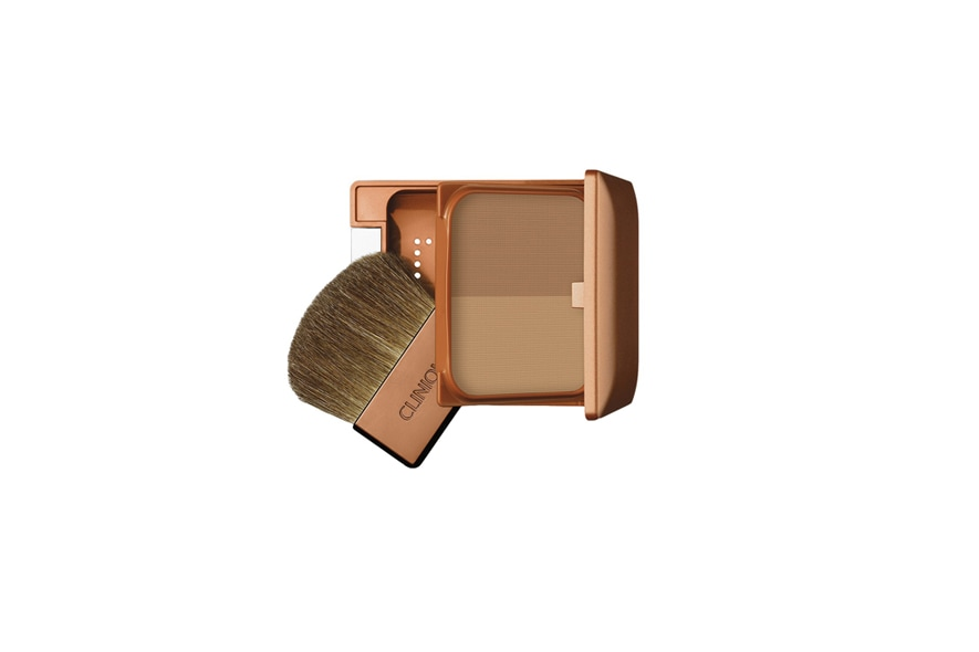Se l'obiettivo è sfoggiare una pelle dall'aspetto abbronzato ma naturale, il bronzer di Clinique è l'ideale