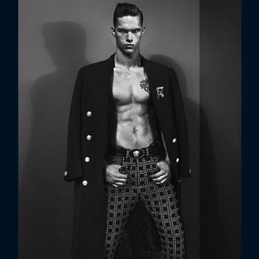 03A Versace Men's FW 2012 Dmitriy Tanner