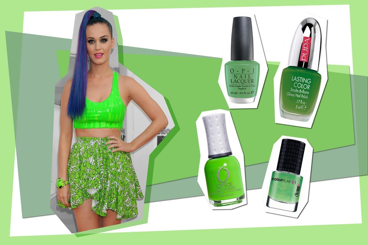 Katy Perry ama i look più eccentrici e sceglie uno smalto verde acido (Orly – Pupa – Debby – Opi)