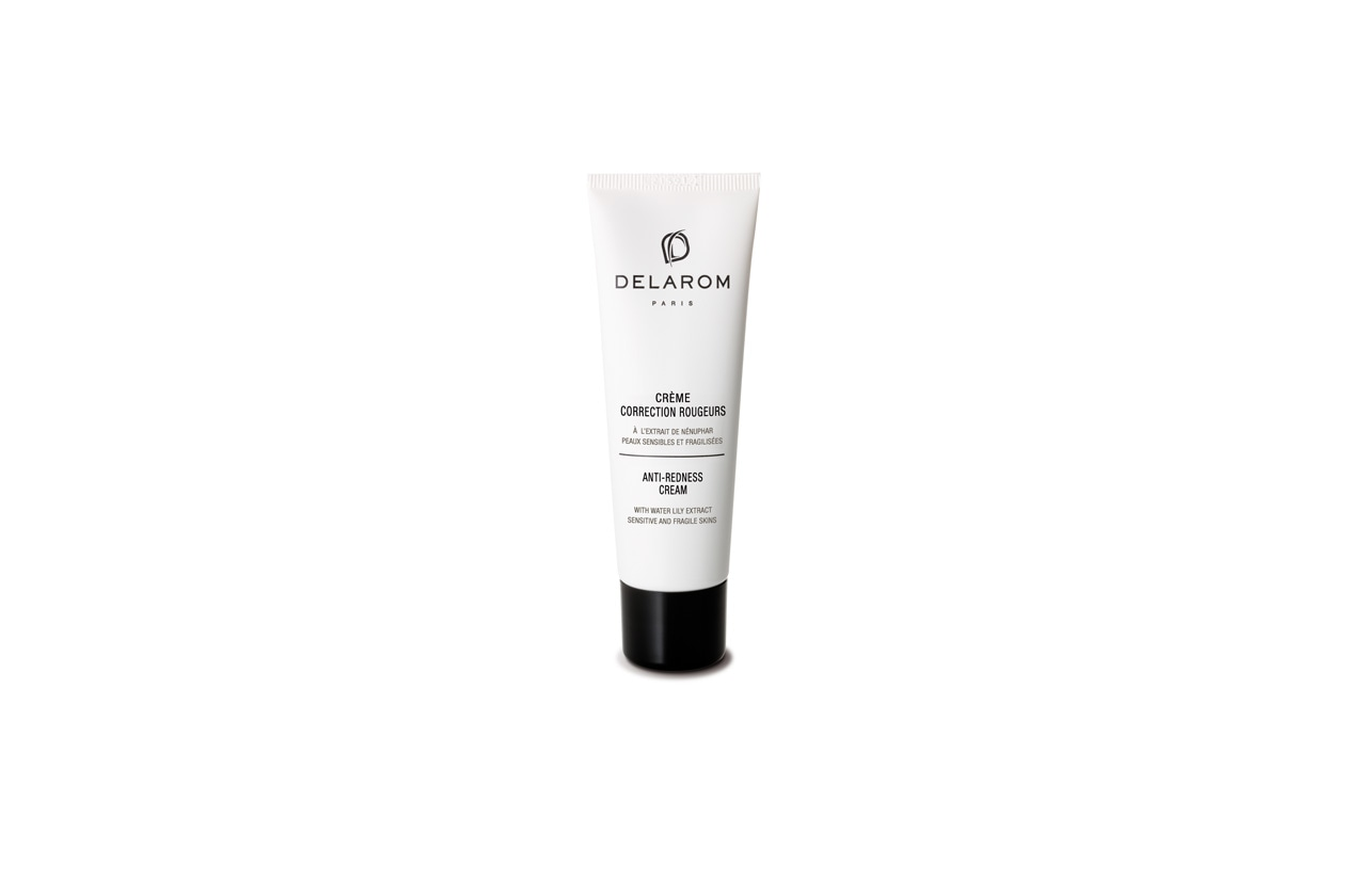 La Crème Correction Rougeurs di Delarom contiene l'estratto di ninfea che mitiga le pelli reattive e uniforma il colorito