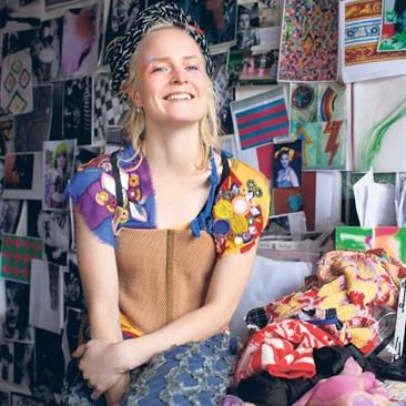 Louise Grey porta il colore da TopShop