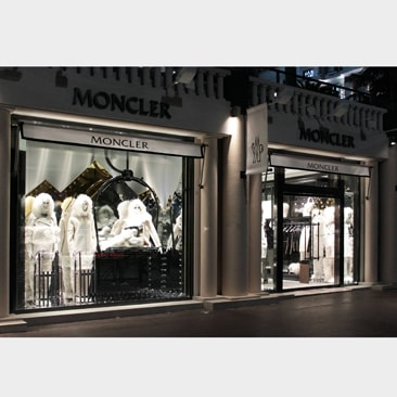 Moncler sbarca a Cannes
