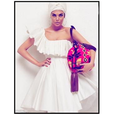 Colore e frange per le borse di Sara Battaglia