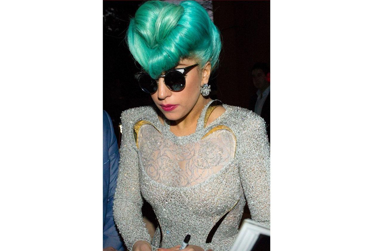 A Sidney Lady Gaga ha sfoggiato una chioma turchese