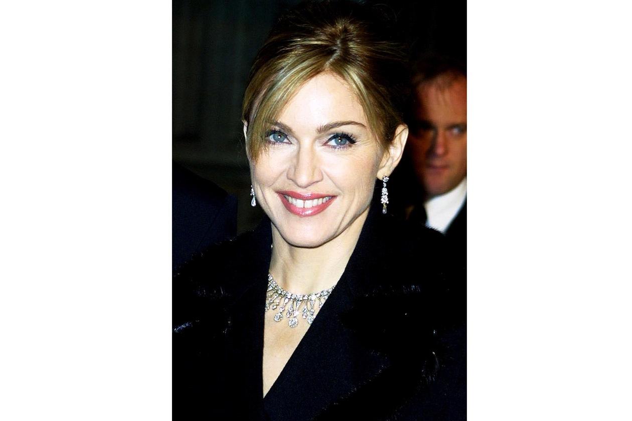 Alta 2560723 2002 Madonna