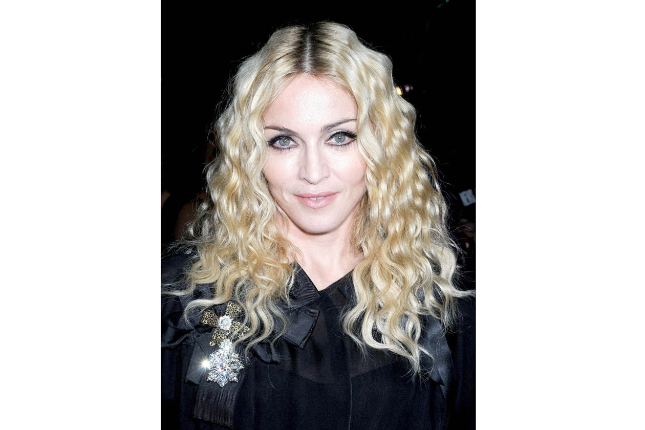Alta 2560734 2010 Madonna