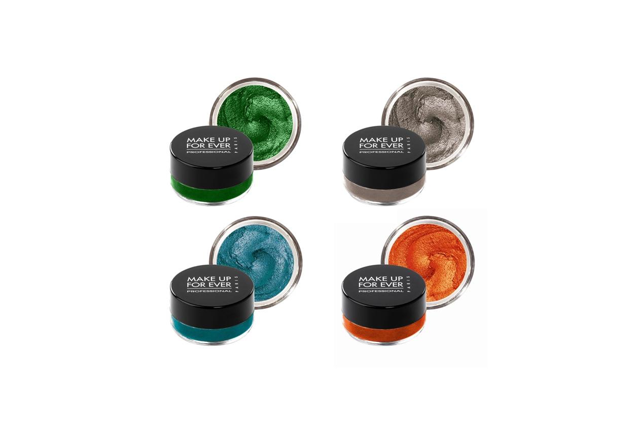 Aqua Cream di Make Up For Ever è un ombretto cremoso iridescente waterproof che assicura un make- up a lunga durata