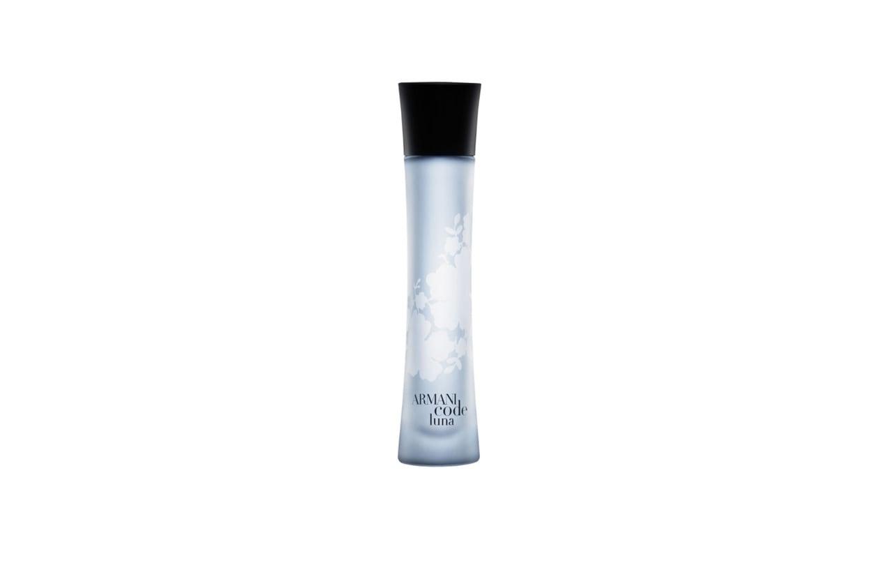 """Armani Code Luna, la nuova fragranza femminile Giorgio Armani, è una """"eau de vanille"""" fresca e floreale"""