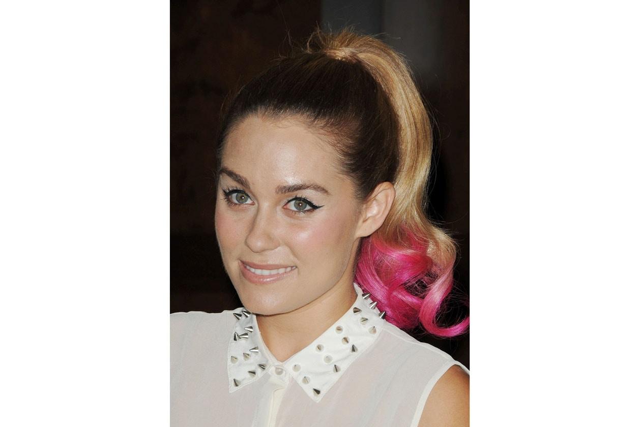 Lauren Conrad preferisce un raccolto alto con una coda rosa