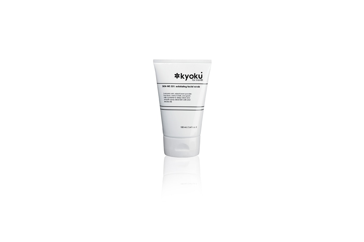 Lo scrub viso esfoliante di Kyoku è a base di ingredienti naturali di origine giapponese combinati insieme per detergere in profondità