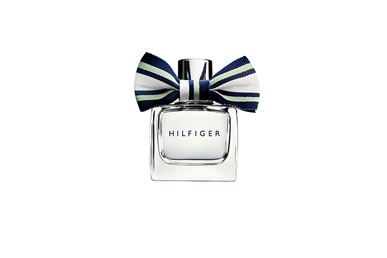 Pear Blossom Eau de Parfum di Tommy Hilfiger è una ricetta nuova in cui l'aroma caldo della pera è accompagnato dalla cannella