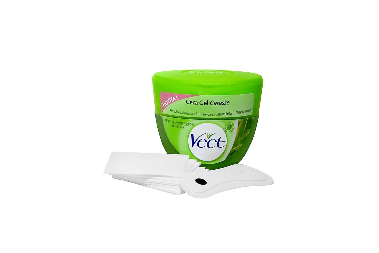 Se la cera a caldo non vi convince, una buona alternativa può essere la cera gel Veet per pelli secche