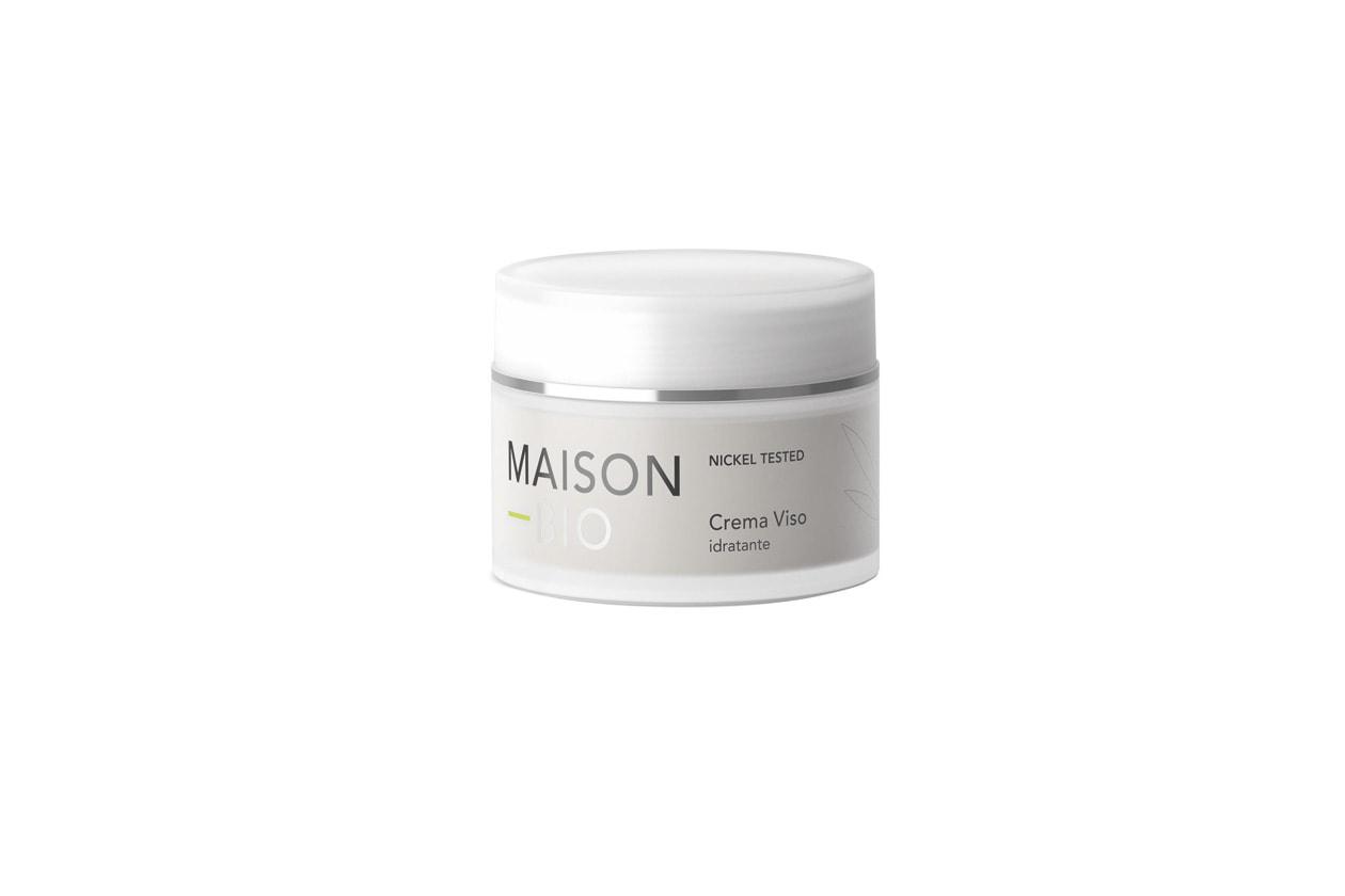 Un mix di aloe vera, olio di argan, rosa moquesta e liquirizia, nota per la sua azione decongestionante, per la crema viso idratante di Maison Bio