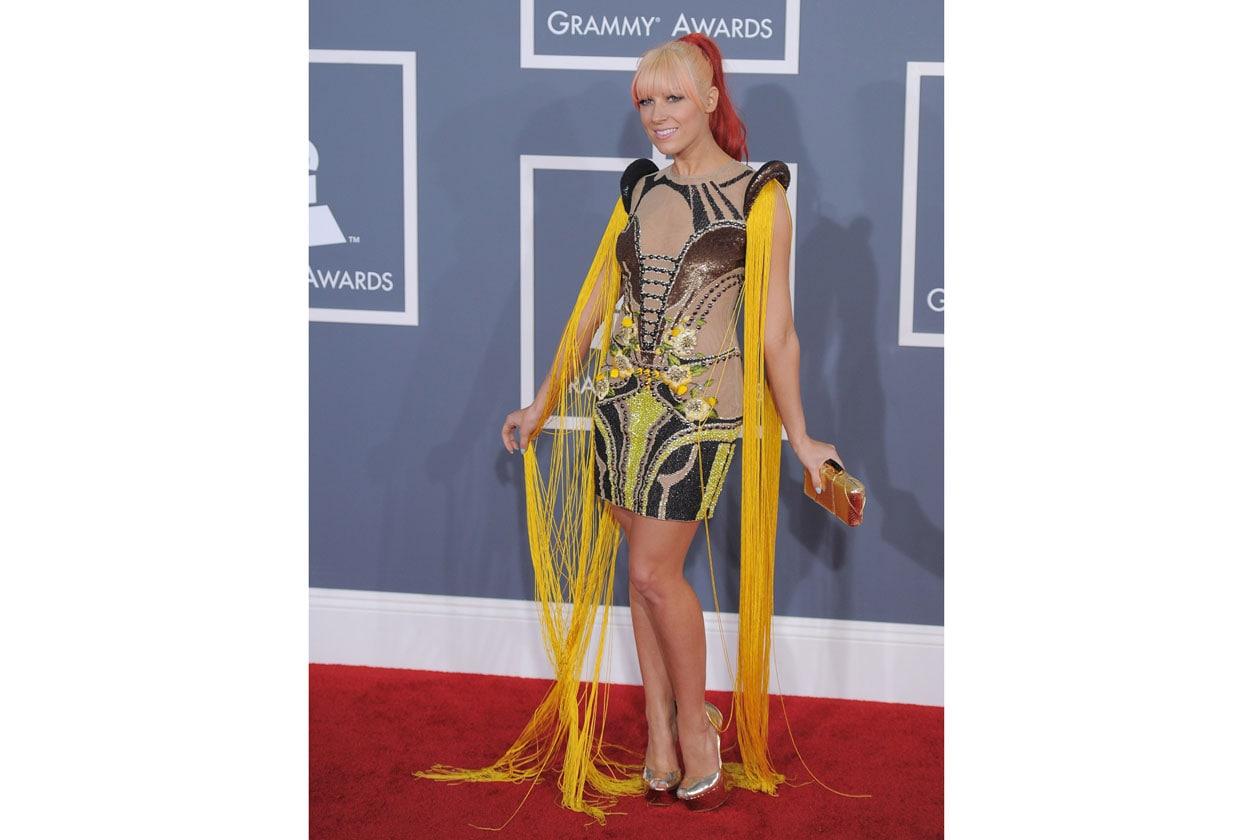 Una chioma un po' psichedelica quella scelta da Bonnie McKee per i Grammy Awards
