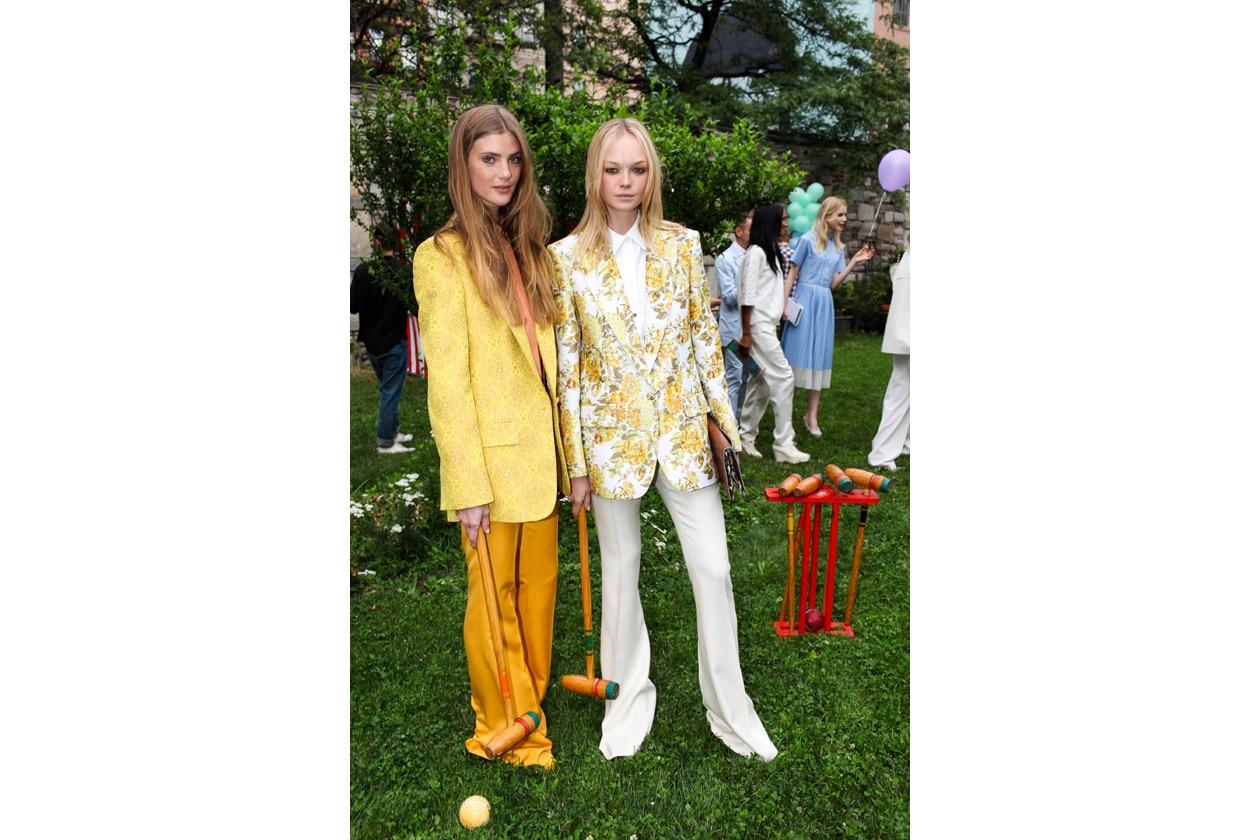 modelle in giallo