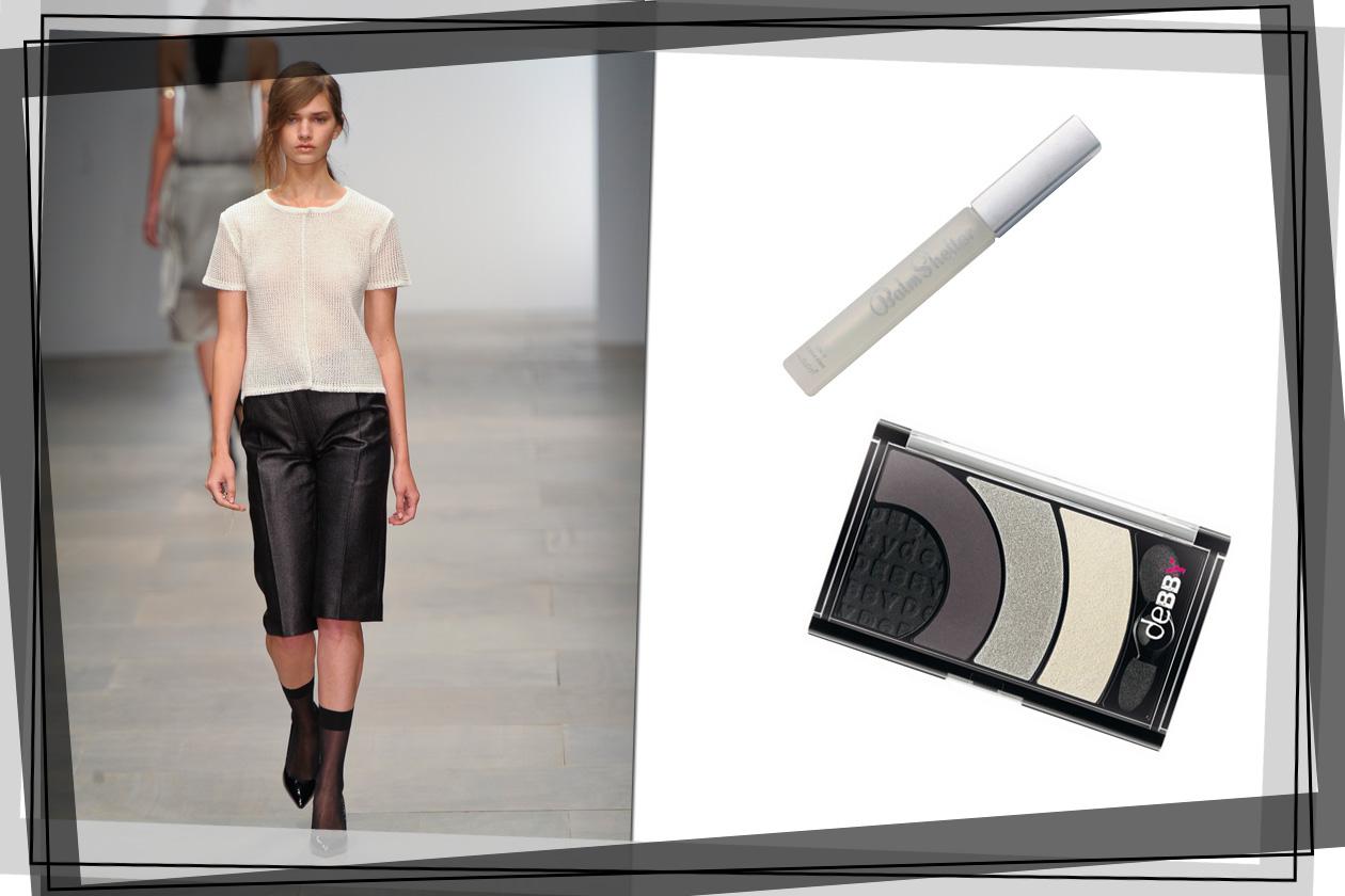 Al look di Ann-Sofie Back Atelje abbiniamo un gloss trasparente e un mix di polveri scure sugli occhi (The Balm, Debby)