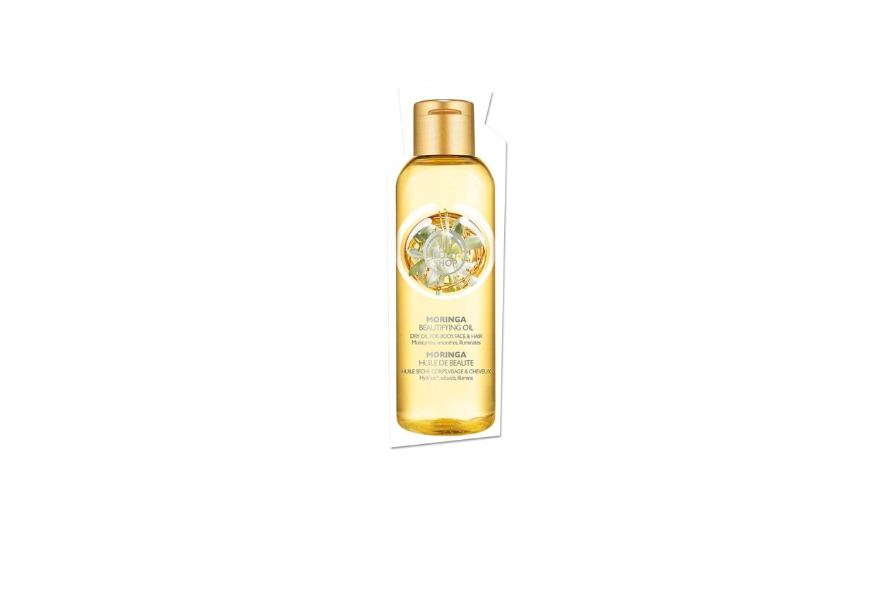L'olio al Moringa di The Body Shop è formulato con una leggera miscela di tre oli di noci