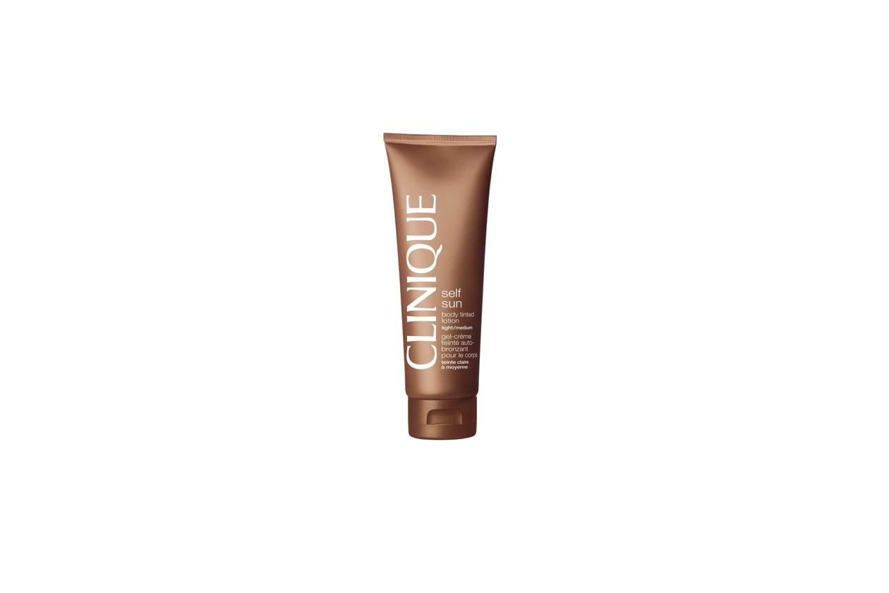 La lozione di Clinique ha una formula in crema-gel che assicura alla pelle un'abbronzatura istantanea