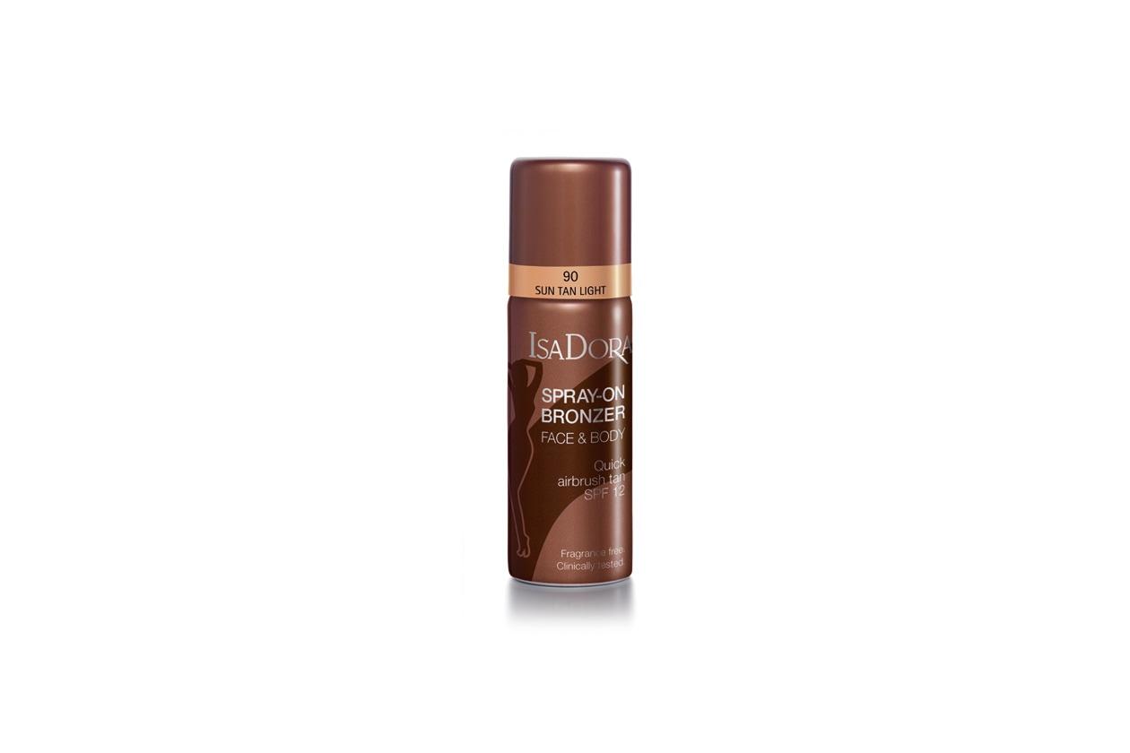 Lo Spray-on Bronzer di IsaDora con spf 12 dona un risultato spray senza imperfezioni