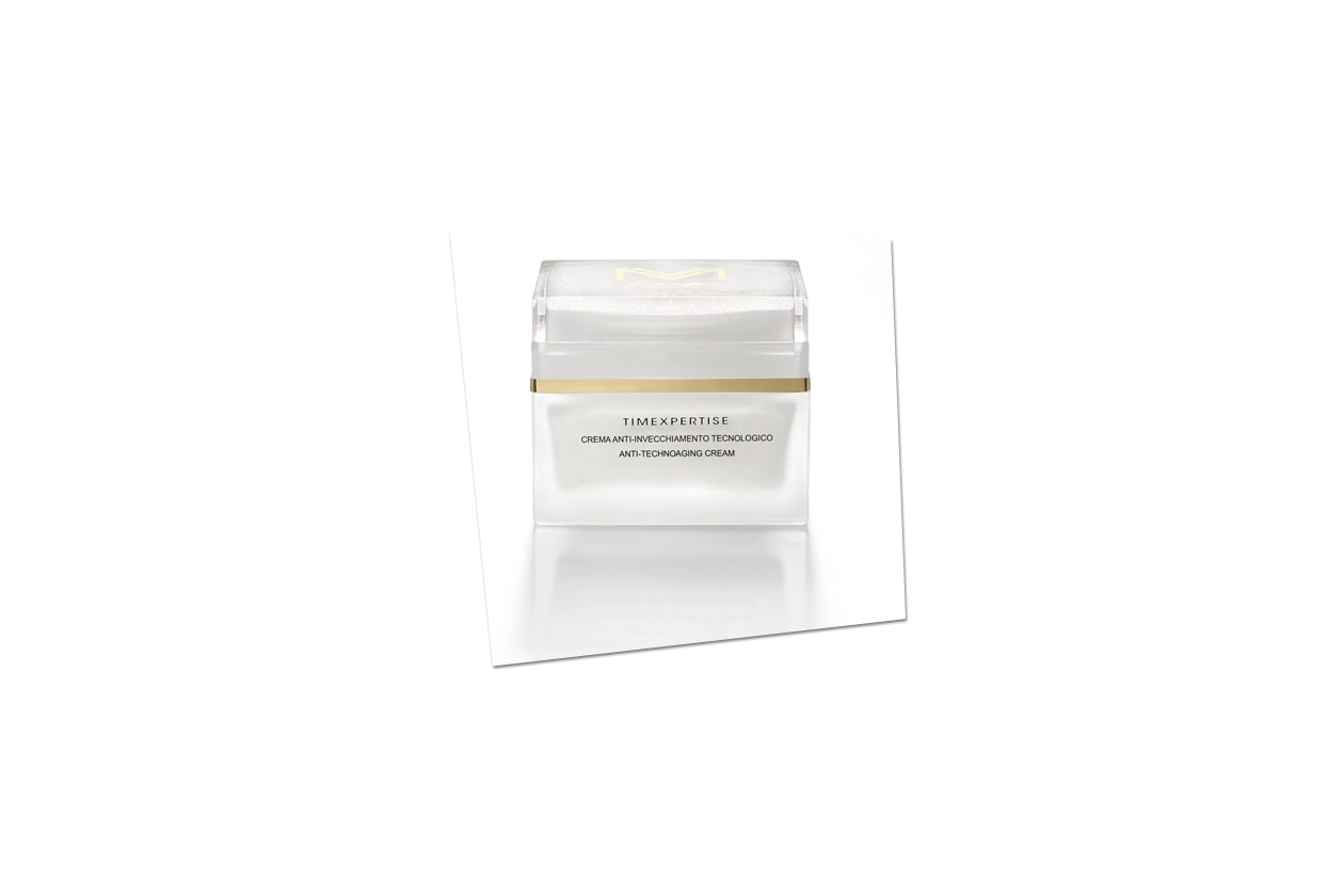 Protegge la pelle dal'inquinamento atmosferico la Crema anti-invecchiamento tecnologico di MV Cosmetics