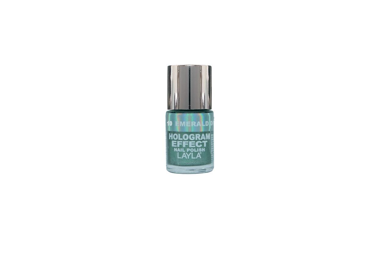 Se avete un debole per i giochi di luce e le finiture scintillanti, date un'occhiata allo smalto olografico di Layla in tonalità Emerald Divine