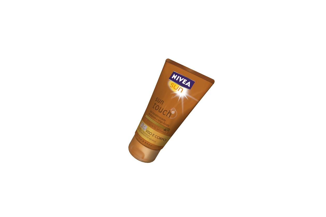 Sun Touch Gel Autoabbronzante di Nivea ha una formula trasparente e delicata che garantisce un'idratazione intensa e duratura