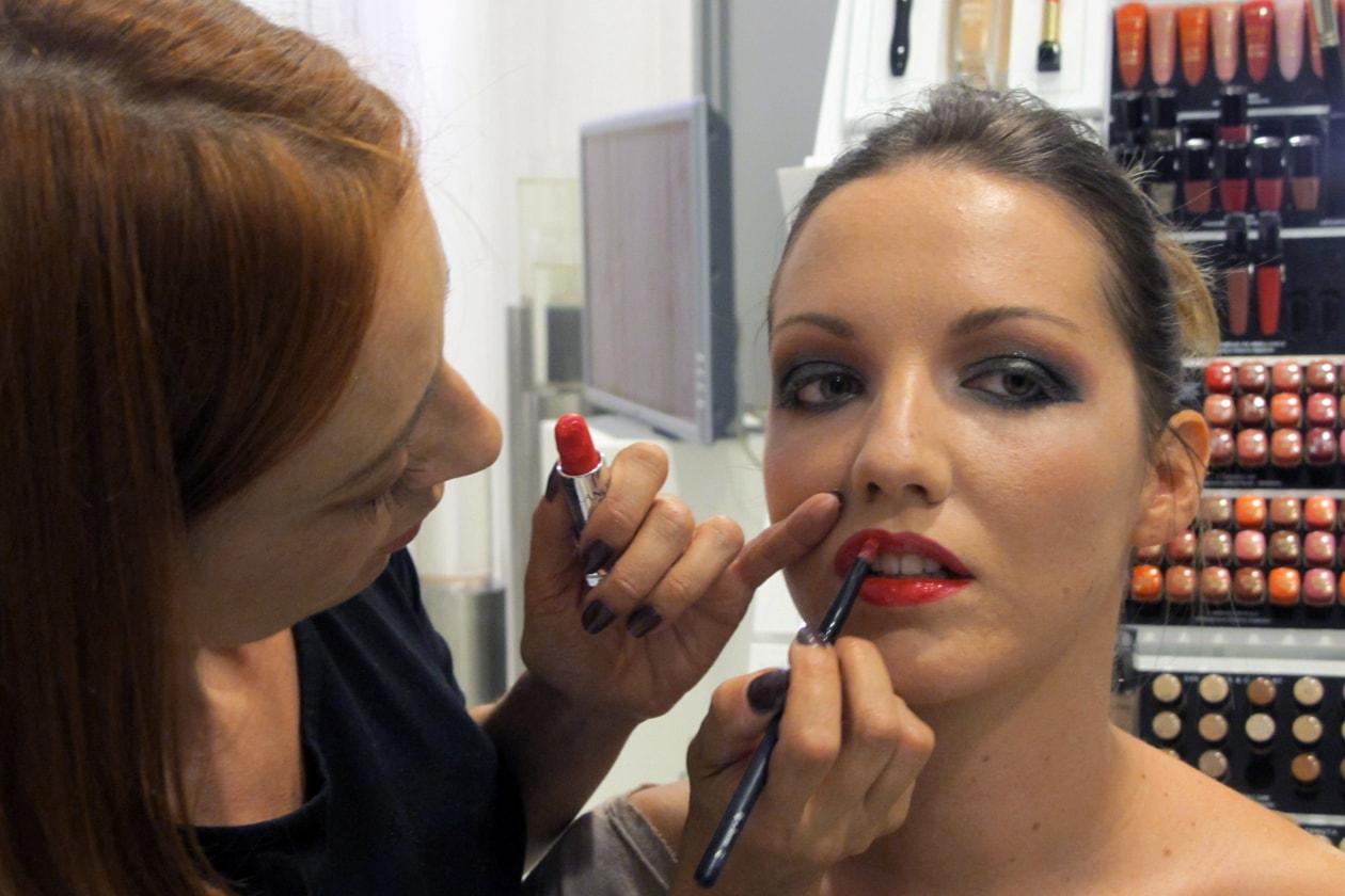 Viktorya Genova sceglie il rosso per le labbra di Giulia Benini