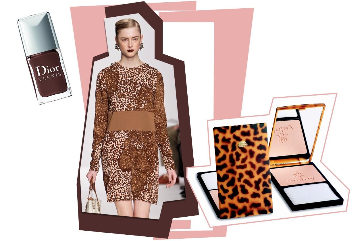 Blush chiaro (Sisley) e mani scure (Dior) per un gioco di contrasti (abito animalier di Alviero Martini)