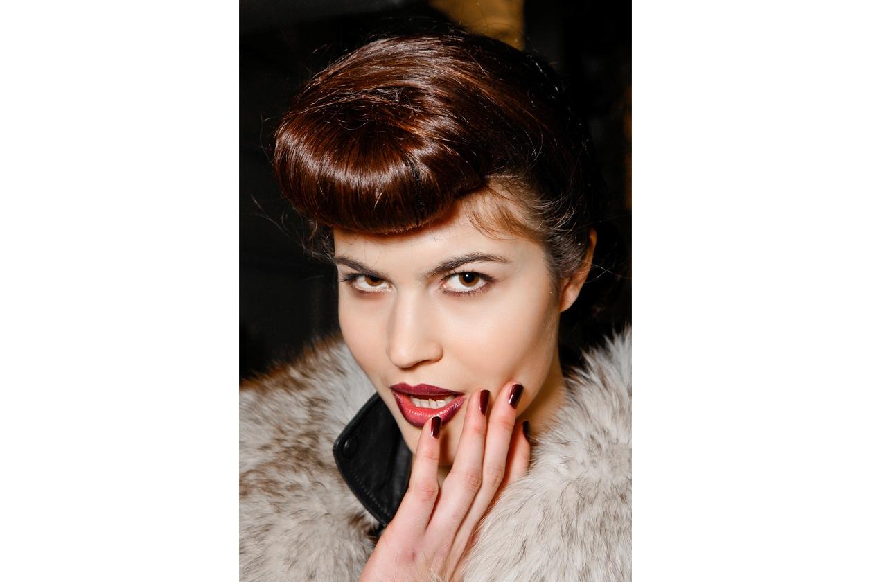 Un allure vintage caratterizza il look di Jenny Packham