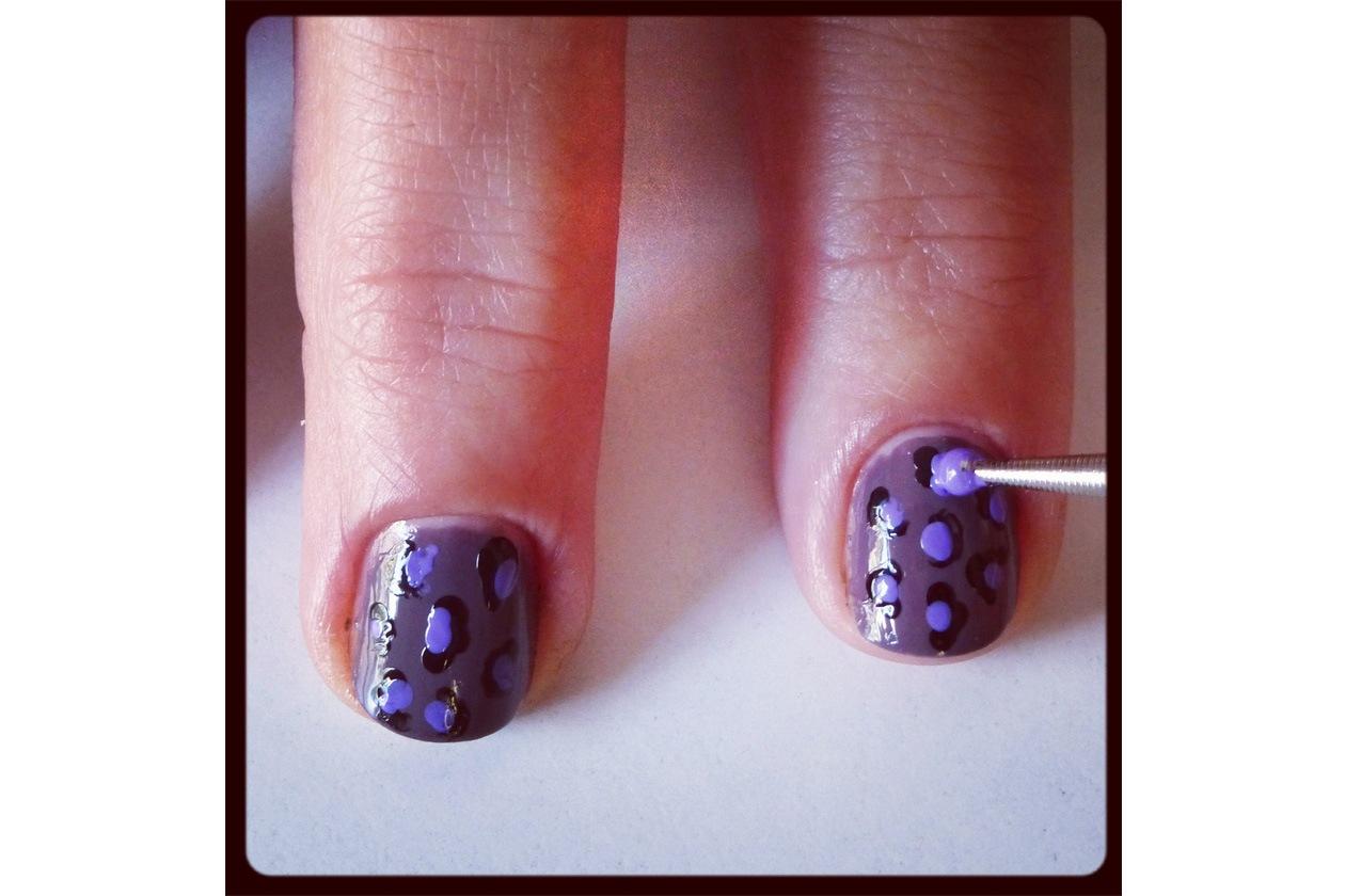08 Beauty manicure tutorial maculato