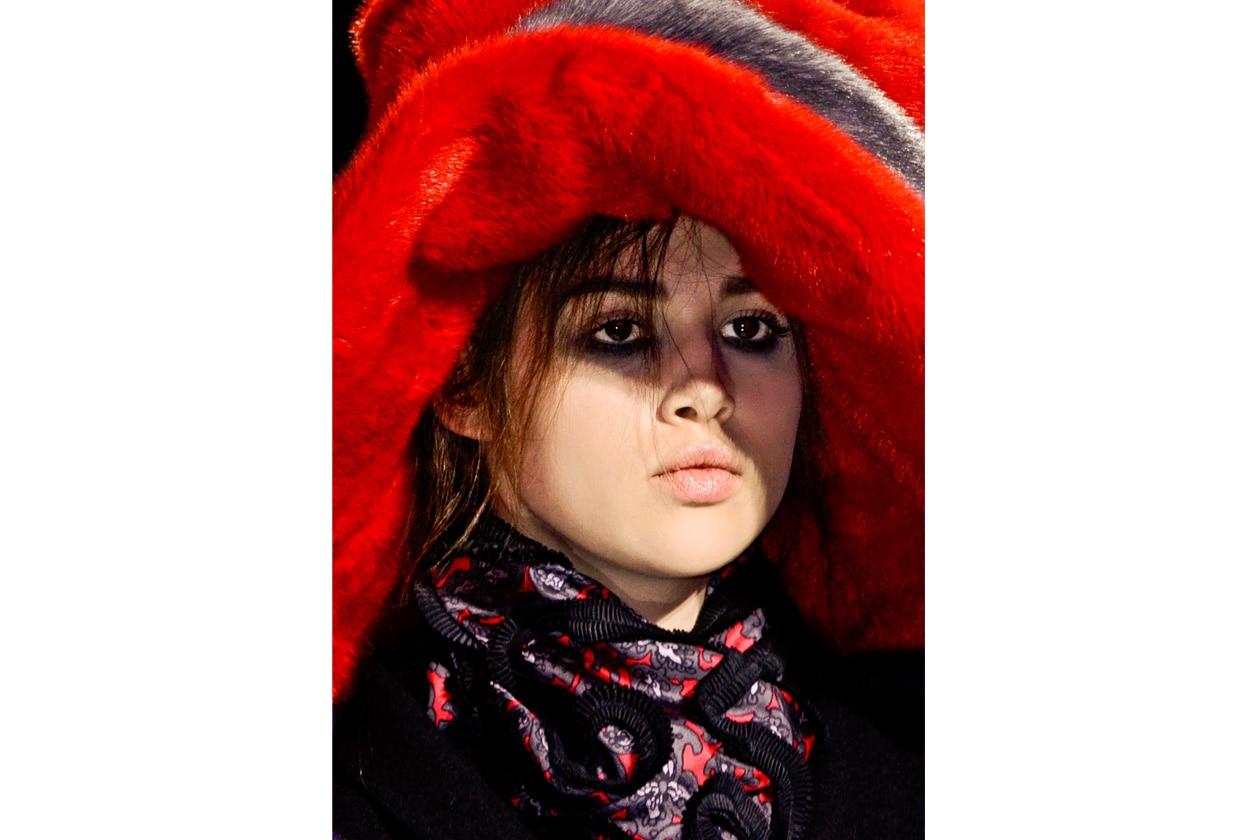 Dark vintage per la modella di Marc Jacobs